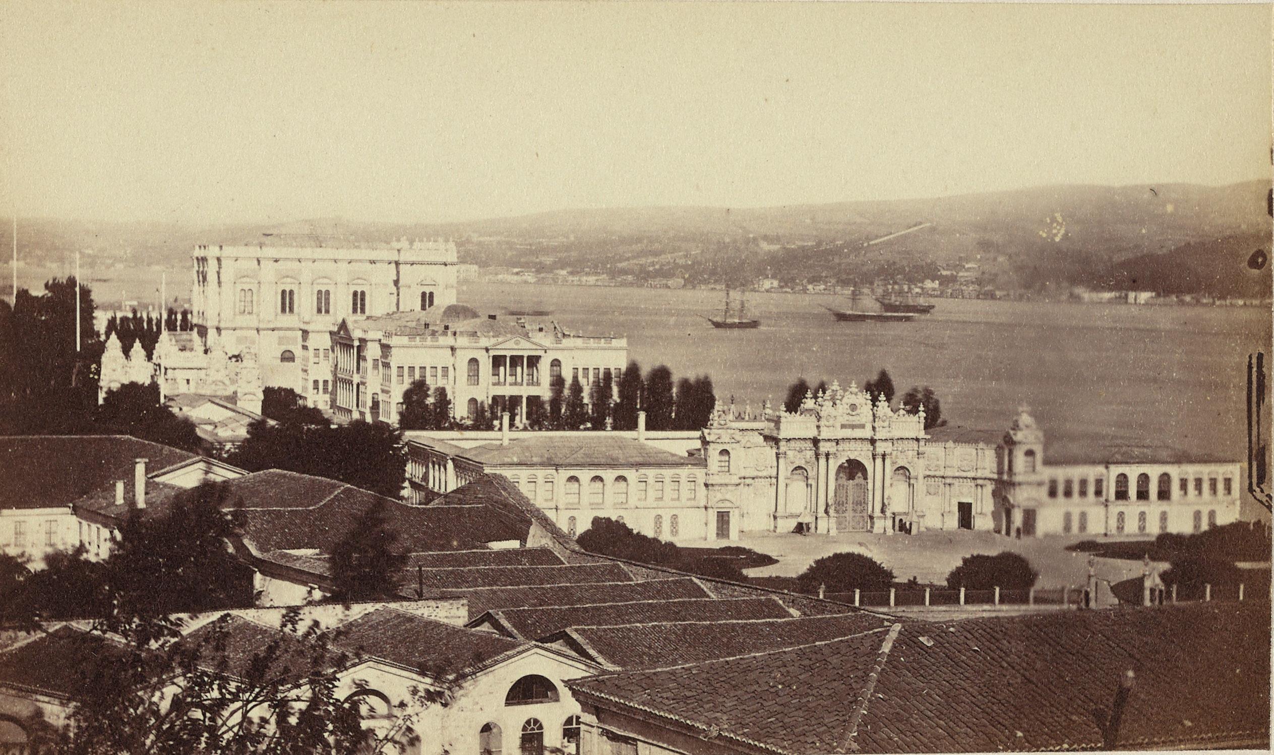 Dolmabahçe Sarayı / Pascal Sébah Fotoğrafı / 1870 | Eski İstanbul Fotoğrafları Arşivi