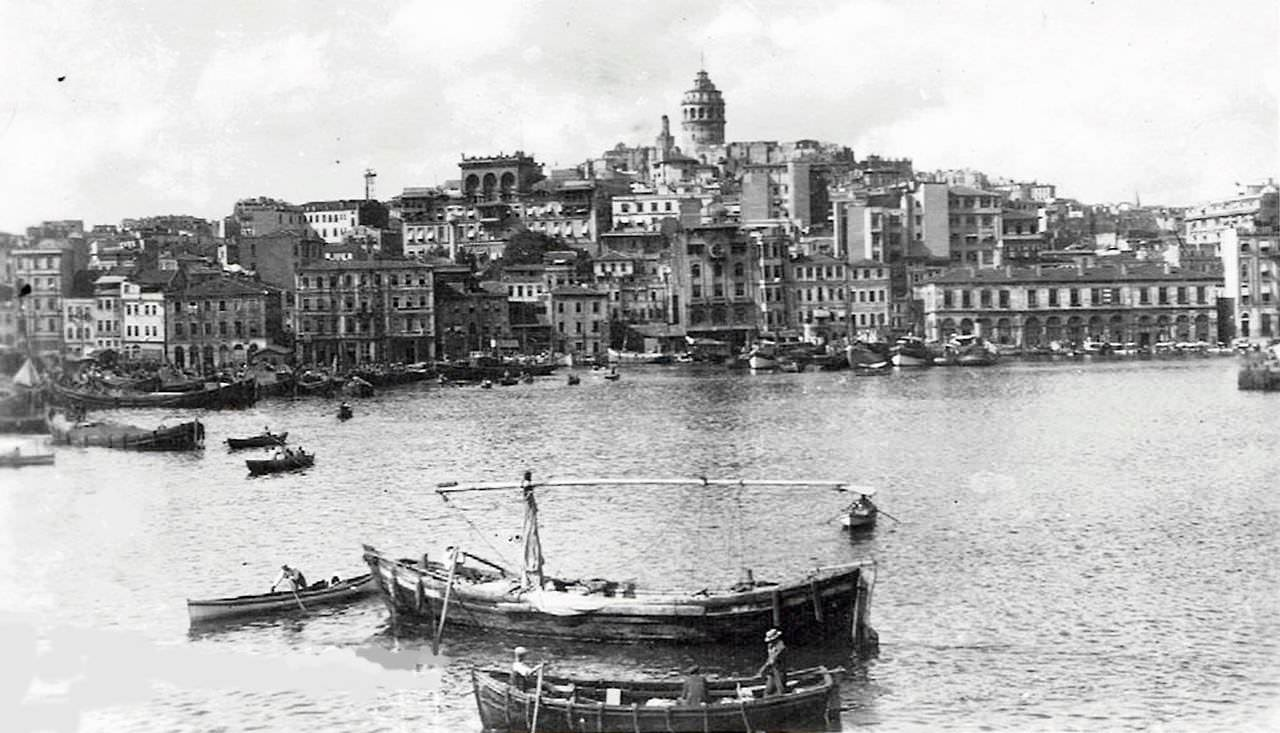 Haliç ve Galata / 1944