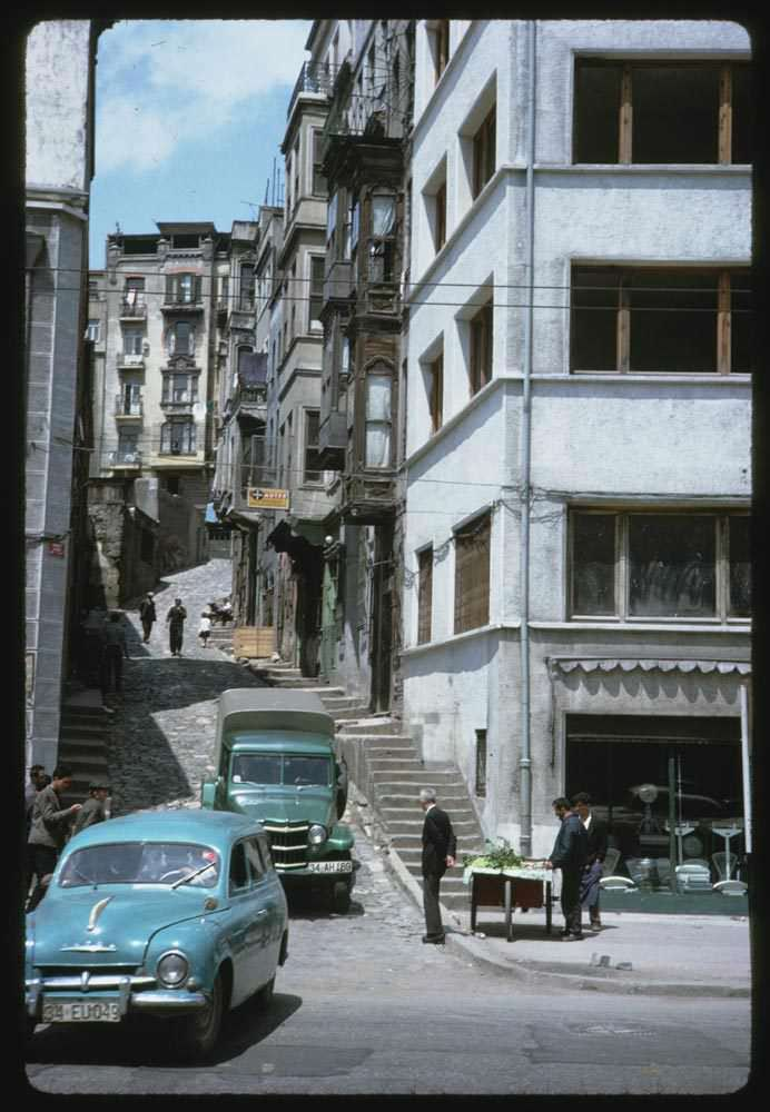 Revani Sokak / 13 Mayıs 1965 Charles W. Cushman Photograph Collection  https://harita.yandex.com.tr/-/CVS7IXoz