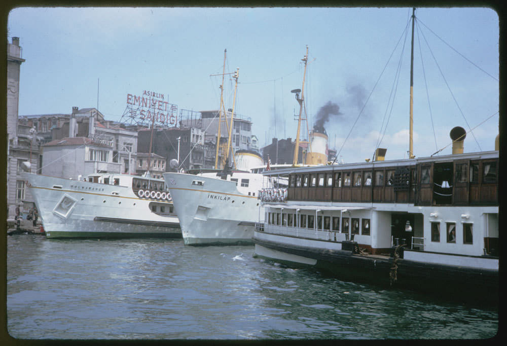 Vapurlar / 13 Mayıs 1965 Charles W. Cushman Photograph Collection